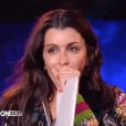 """Jenifer très émue lors du """"Téléthon"""", le 3 décembre 2016 sur France 2."""