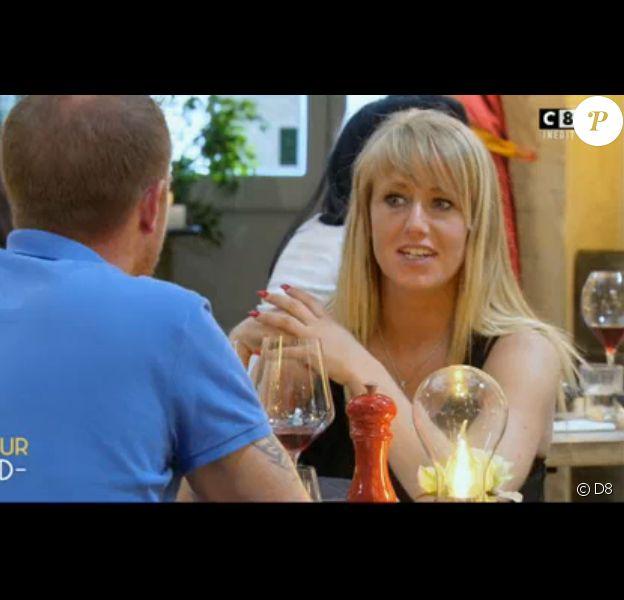 """Aurélie, ex-participante à des vidéos """"Jacquie et Michel"""", dans """"L'amour Food"""" sur C8 le 5 décembre 2016."""