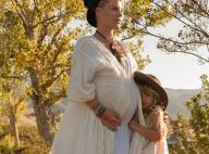 Pink enceinte et topless : La future maman dévoile son joli ventre rond