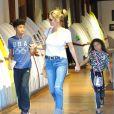 Heidi Klum et son ex mari Seal font du shopping avec leurs enfants Leni, Henry, Johan et Lou à West Hollywood. Le 23 novembre 2016.