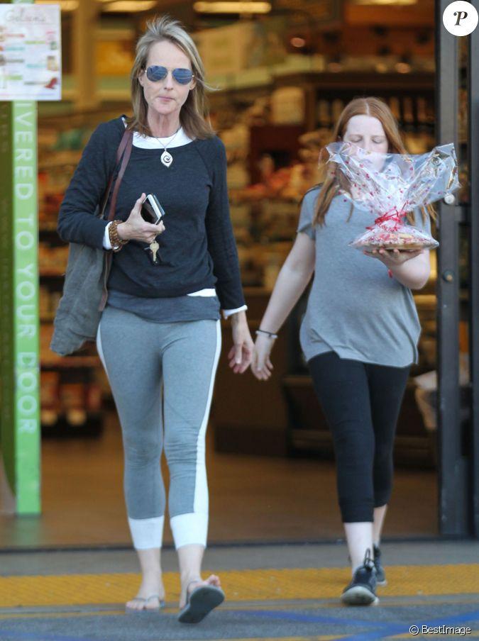 Helen Hunt fait du shopping avec sa fille Makena à Gelson ...