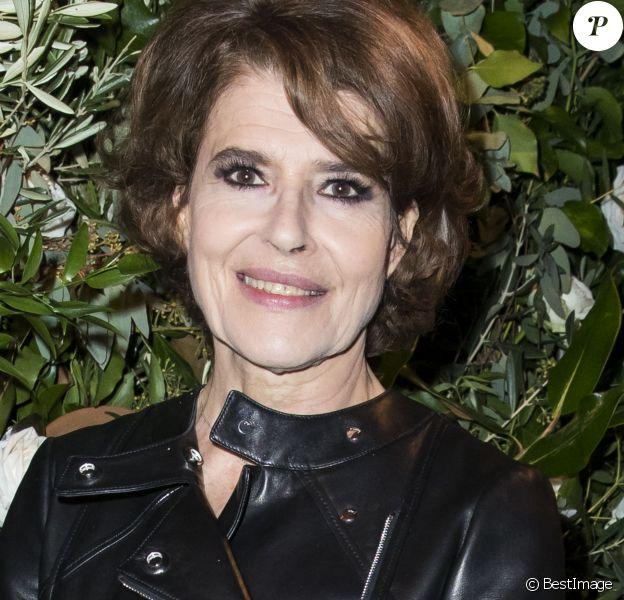 """Fanny Ardant - Dîner de gala du 70ème anniversaire des amis de CARE à l""""espace Cambon à Paris, France, le 21 novembre 2016."""