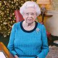 """""""La reine Elizabeth II dans le salon Régence de Buckingham Palace lors de l'enregistrement de son message diffusé dans tout le Commonwelath pour Noël 2016. Photo by Yui Mok/PA Wire/ABACAPRESS.COM"""""""