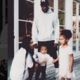 """""""Kim Kardashian est de retour sur Instagram. Un come-back pour lequel elle a posté une adorable photo de famille. Le 3 janvier 2016."""""""