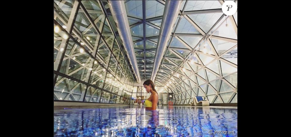 Iris Mittenaere à l'aéroport de Doha (Qatar) le 4 janvier 2017.