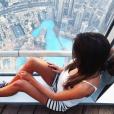 Iris Mittenaere (Miss France 2016) au sommet de la tour Burj Khalifa à Dubaï, début 2017.