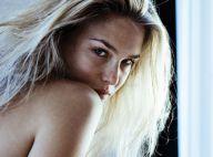 PHOTOS : Bar Refaeli, en toute intimité dans sa chambre d'hôtel, vous dit bonne nuit...