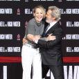 Sharon Stone et Jeff Bridges - Jeff Bridges laisse ses empreintes sur le ciment lors d'une cérémonie au théâtre Chinese à Hollywood le 6 janvier 2017