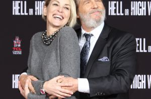 Jeff Bridges laisse ses empreintes à Hollywood et câline Sharon Stone