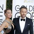 """""""Ryan Reynolds et son épouse Blake Lively, habillée d'une robe Haute Couture Atelier Versace - 74ème cérémonie annuelle des Golden Globe Awards à Beverly Hills, le 8 janvier 2017. © Olivier Borde/Bestimage"""""""