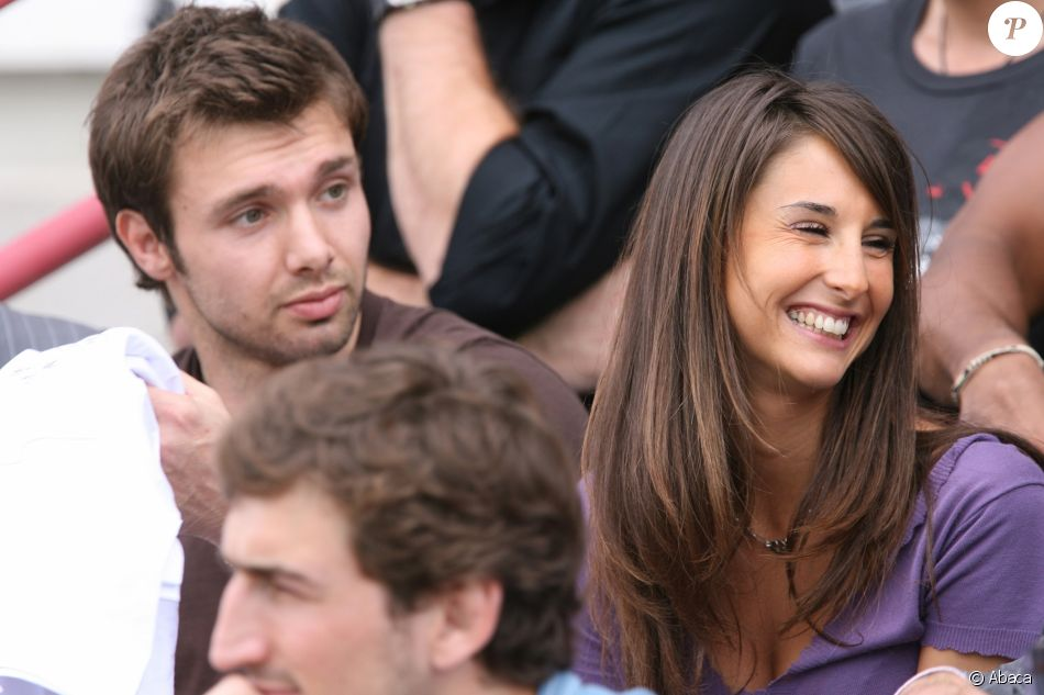 Vincent Clerc et sa compagne Valérie, fille de Guy Novès, en juin 2008 lors d'un match du Stade toulousain. Fin 2016, le couple, marié en 2014, a agrandi sa famille en donnant un petit frère à Eloise, née en 2011.