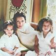 Jenaye Noah pose avec sa maman Heather Stewart-Whyte et sa soeur Eleejah.