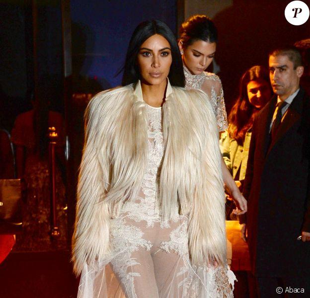 Kim Kardashian et Kendall Jenner sur le tournage d'une scène du film Ocean's 8 à Manhattan. New York, le 16 janvier 2017.