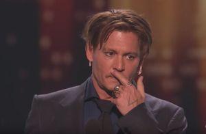 Johnny Depp, ému, parle du divorce et de sa mère dans un étrange discours