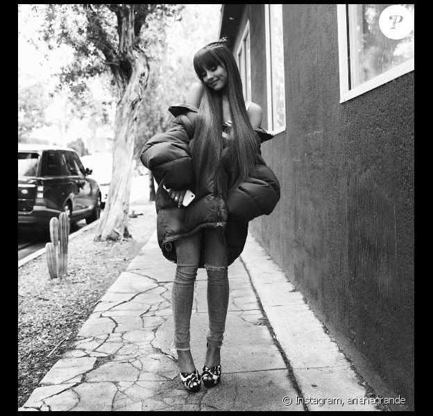 Ariana Grande se fait lyncher sur les réseaux sociaux après avoir assuré qu'elle est une acharnée de boulot. Photo publiée sur Instagram le 14 janvier 2017