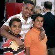 """Cuba Gooding Jr.et ses fils Spence et Mason à la première de """"Superman Returns"""" à Los Angeles le 21 juin 2006"""
