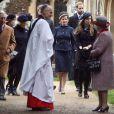La famille royale à la sortie de la messe de Noël de la famille royale UK
