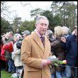 Le Prince Charles à la sortie de la messe de Noël de la famille royale UK