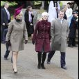 Zara et Autumn Phillips à la sortie de la messe de Noël de la famille royale UK