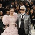 "Lily-Rose Depp et Karl Lagerfeld - Premier défilé de mode ""Chanel"", collection Haute-Couture printemps-été 2017 au Grand Palais à Paris. Le 24 janvier 2017 © Olivier Borde / Bestimage"