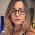 Laure Boulleau dévoile sa nouvelle tête avec des lunettes. Photo postée sur Instagram en décembre 2016.
