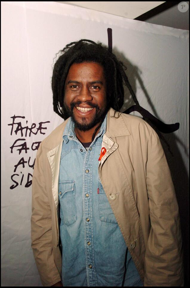 """Tonton David - Soirée """"Faire face au sida"""", à Paris, le 1er décembre 2004."""