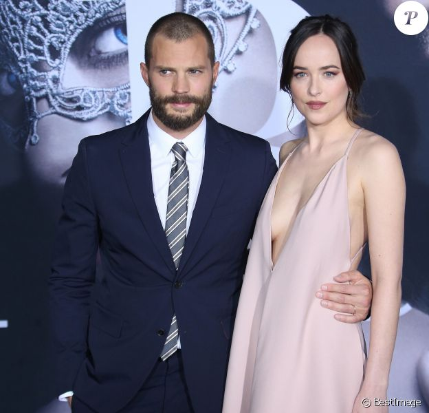 "Jamie Dornan, Dakota Johnson lors de la première du film ""Cinquante nuances plus sombres"" (Fifty Shades Darker) au Ace Hotel à Los Angeles, le 2 février 2017. © F. Sadou/AdMedia via ZUMA Wire/Bestimage"