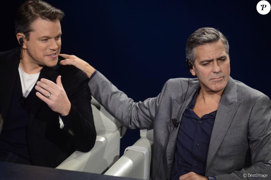 """Matt Damon, George Clooney - Les acteurs du film """"The Monuments Men"""" sur le plateau de l'émission """"Che Tempo Che Fa"""" à Milan, le 9 février 2014."""