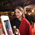 """Marion Cotillard enceinte arrive à l'avant-première du film """"Rock'n Roll"""" au Pathé Beaugrenelle à Paris le 13 février 2017. © Lionel Urman /Bestimage"""