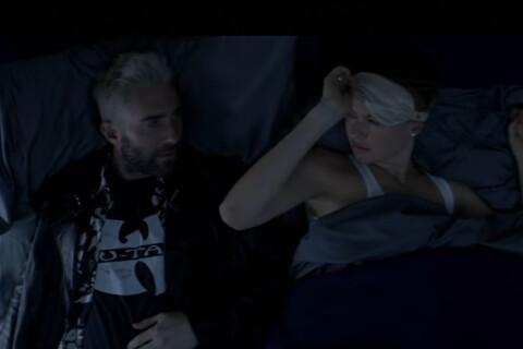 Adam Levine au lit avec sa femme, Behati, dans le nouveau clip de Maroon 5