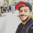 Saad Lamjarred pose sur les Champs-Elysées, le 25 octobre 2016.