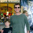 """Bill Paxton et son fils pour l'avant-première du film Lara Croft en 2003 à Los Angeles""""BILL PAXTON"""" ET SON FILS 1ERE DU FILM """"LARA CROFT"""" """"TOMB RAIDER"""" """"THE CRADLE OF LIFE"""" A LOS AN"""