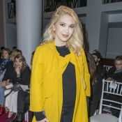 Fashion Week : Camille Seydoux, enceinte et chic avec Malika Ménard