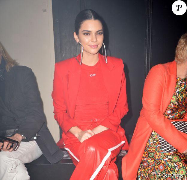 """Kendall Jenner au défilé de mode """"Off-White"""" au Palais de Tokyo à Paris, le 2 Mars 2017.© CVS/Veeren/Bestimage"""