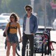 Exclusif - Vanessa Hudgens et son compagnon Austin Butler se promènent à Venice. Los Angeles, le 22 septembre 2016. CPA/Bestimage