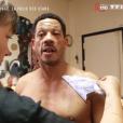 """""""JoeyStarr dévoile son tatouage hommage à ses enfants dans """"50 mn inside"""" sur TF1. Le 25 mars 2017."""""""