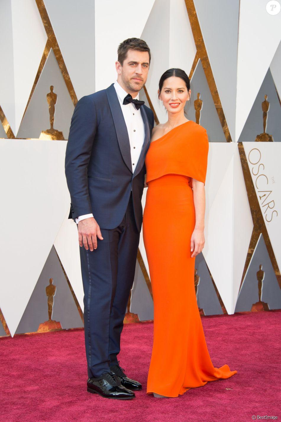Olivia Munn et Aaron Rodgers - Photocall de la 88ème cérémonie des Oscars au Dolby Theatre à Hollywood. Le 28 février 2016