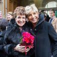 Catherine Laborde et son amie Evelyne Dhéliat à Paris, le 9 novembre 2013.