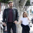Ben Affleck se balade avec sa fille Violet dans les rues de Los Angeles, le 13 avril 2017