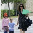 Jennifer Garner et Ben Affleck se rendent à l'église avec leurs enfants Violet, Seraphina et Samuel à Los Angeles, le 9 avril 2017