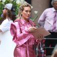 Hilary Duff avec une tenue originale sur le tournage de la série 'Younger' à New York, le 17 avril 2017