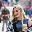 Hilary Duff vêtue d'une tenue très sexy sur le tournage de la nouvelle saison de 'Younger' à New York, le 3 avril 2017