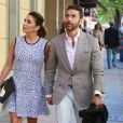 Eva Longoria et son mari Jose Baston font du shopping main dans la main à Madrid le 4 avril 2017.  Actress Eva Longoria and husband Jose Baston in Madrid on Tuesday 4 April 201704/04/2017 - Madrid