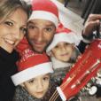 Michele Scarponi, sa compagne Anna Tommasi et leurs jumeaux lors de Noël 2016, photo Instagram. Le coureur cycliste italien de l'équipe Astana a été tué samedi 22 avril 2017 par un camion lors d'une sortie d'entraînement près de chez lui dans la province d'Ancône.