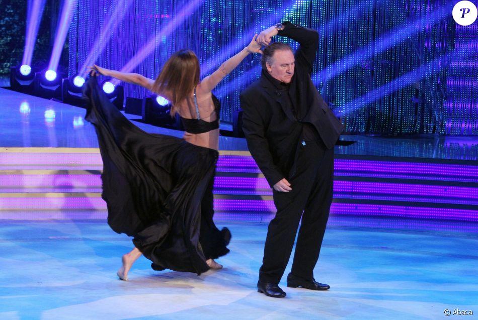 Gérard Depardieu dansant avec Sara Di Vaira pour l'émission  Ballando con le stelle (Danse avec les Stars  version italienne) le 22 avril 2017 à Rome