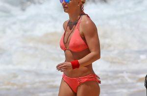 Britney Spears athlétique en bikini, radieuse avec ses fils qui grandissent bien