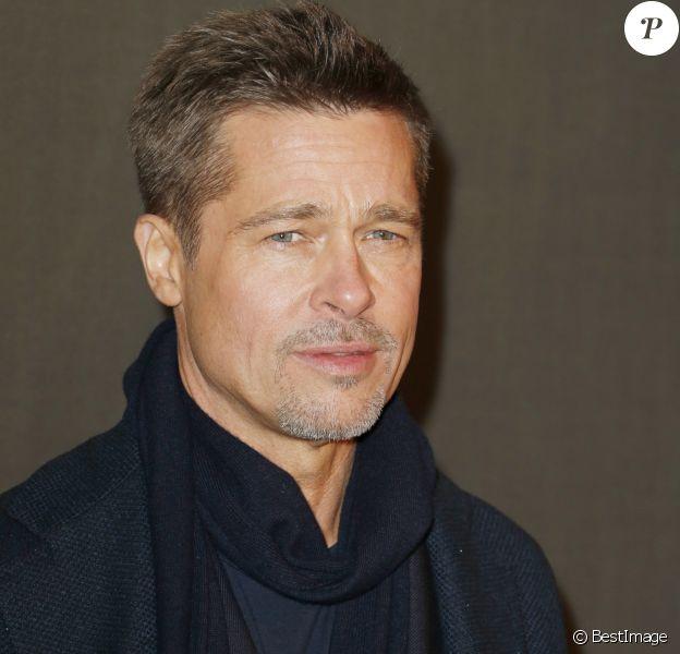 """Brad Pitt - Avant-première du film """"Alliés"""" au cinéma UGC Normandie à Paris, le 20 novembre 2016. © Christophe Aubert via Bestimage"""