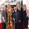 Kurt Russell avec sa mère Louise, des membres de sa famille et sa compagne Goldie Hawn - Goldie Hawn et son compagnon Kurt Russell reçoivent leurs étoiles sur le Walk of Fame au 6201 Hollywood blvd à Hollywood, le 4 mai 2017