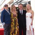 Goldie Hawn avec son compagnon Kurt Russell et sa fille Kate Hudson - Goldie Hawn et son compagnon Kurt Russell reçoivent leurs étoiles sur le Walk of Fame au 6201 Hollywood blvd à Hollywood, le 4 mai 2017