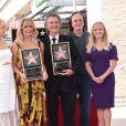 Kate Hudson avec sa mère Goldie Hawn et son compagnon Kurt Russell accompagnés de leurs amis Quentin Tarantino et Reese Witherspoon - Goldie Hawn et son compagnon Kurt Russell reçoivent leurs étoiles sur le Walk of Fame au 6201 Hollywood blvd à Hollywood, le 4 mai 2017